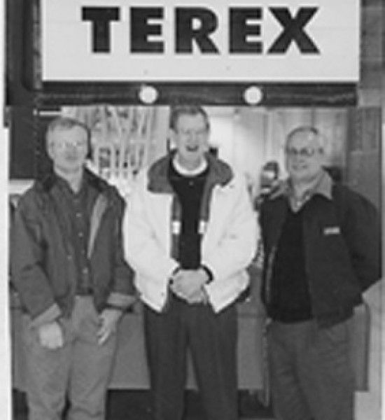 Leon Deutsch, Craig Lichty и Фил Филипов; Бежанецът и двама фермери от Айова